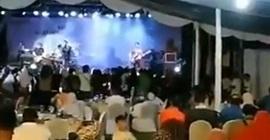 فيديو.. موجة تسونامي ضخمة تضرب مسرحًا خلال عرض - المواطن