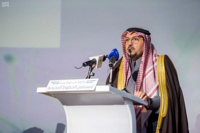 صور.. أمير القصيم يزف 235 متدرباً من خريجي سرب - المواطن