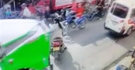 فيديو مروع.. تهور امرأة يتسبب في وفاتها دهسًا - المواطن