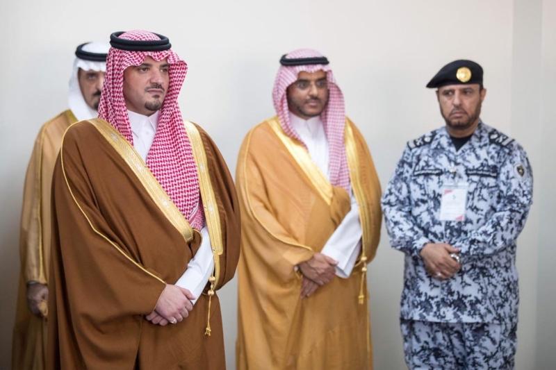 يضع حجر الأساس لمركز الأمير نايف للإبداع الأمني، بمقر كلية الملك فهد الأمنية في الرياض.