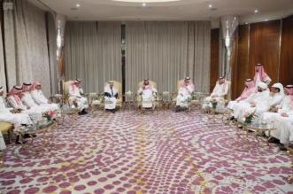 نائب أمير مكة يناقش دور كتاب الرأي في تشكيل الوعي المجتمعي - المواطن