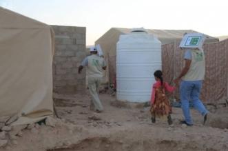 توزيع 270 كرتونًا من التمور في مخيم الدشوش بمحافظة مأرب - المواطن