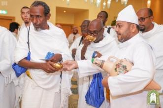 صور.. حفاوة بضيوف برنامج الملك سلمان للعمرة في #مكة - المواطن