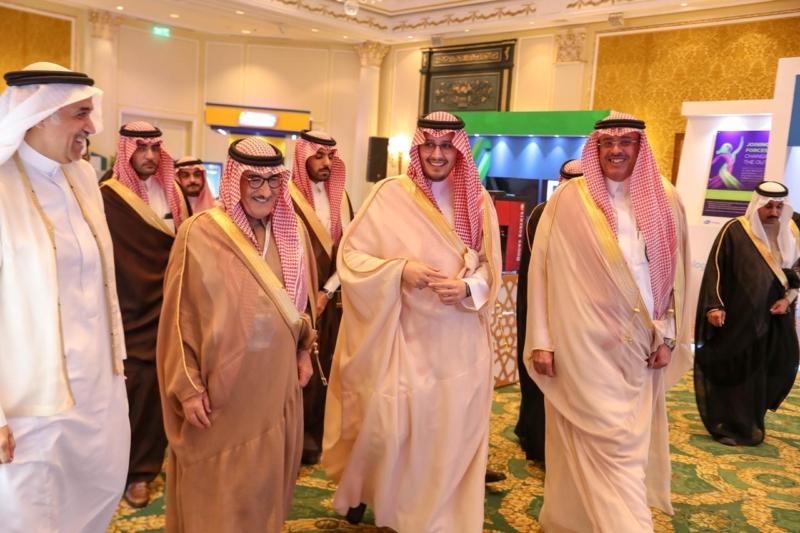 الأمير أحمد بن فهد يكرم الفائزين بجائزة أمير الشرقية لأبحاث السرطان - المواطن