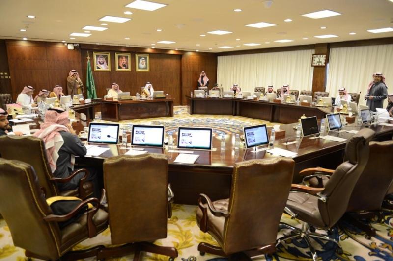 فيصل بن خالد يؤكد على أهمية العمل التكاملي وتبادل الخبرات - المواطن