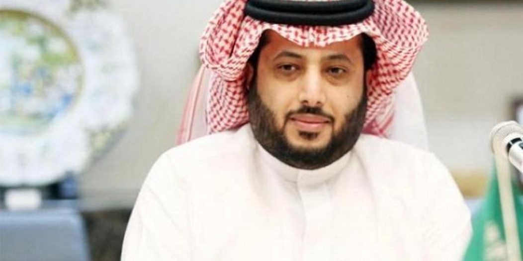 تركي آل الشيخ ينعى والدته من الرضاعة