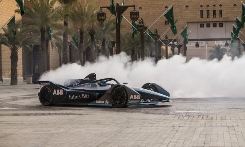 المتعة والإثارة يلتقيان في سباق فورمولا إي الدرعية
