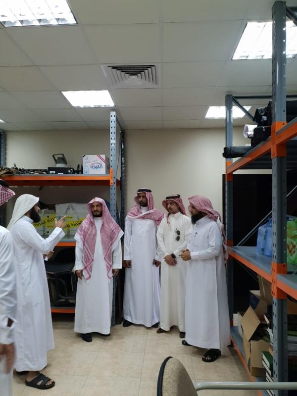 صور.. مدير الشؤون الإسلامية في عسير يتفقد إدارة المساجد بالخميس - المواطن
