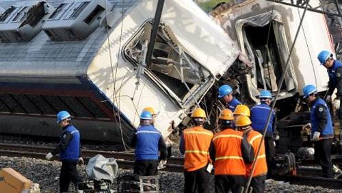 صور.. إصابة 14 شخصاً بحادث لـ#قطار_الطلقة في #كوریا_الجنوبیة