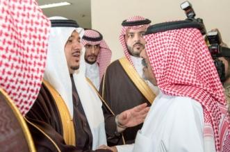 صور.. نائب أمير الرياض ينقل تعازي القيادة لذوي الشهيد العتيبي - المواطن