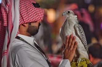 صور.. معرض الصقور والصيد السعودي يجذب الأنظار في يومه الأول - المواطن