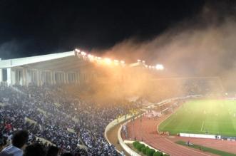 فيديو .. اقتحام جماهيري لـ ملعب مباراة #الهلال_أحد - المواطن