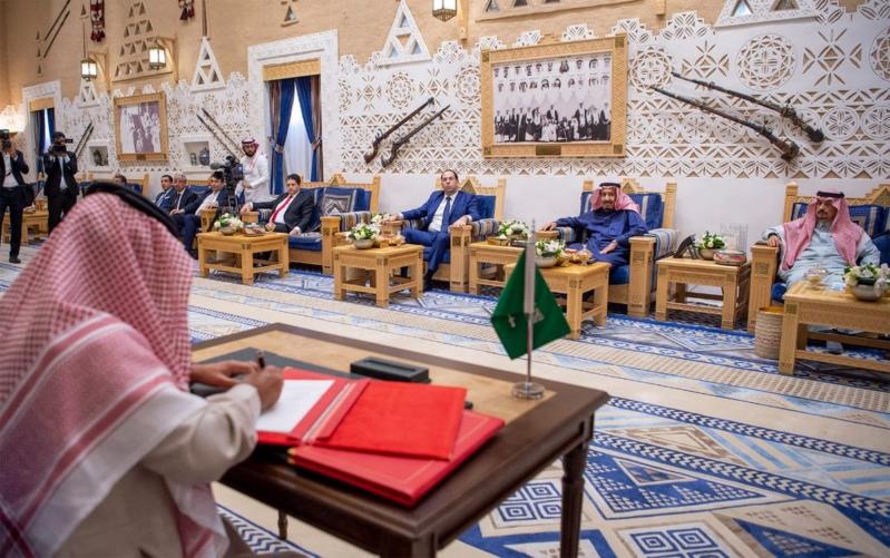 الملك سلمان والشاهد يحضران توقيع اتفاقيتين ومذكرة تفاهم بين المملكة وتونس