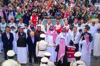 فيديو.. لحظة وصول الأمير محمد بن سلمان لـ #سباق_فورملا_اي_الدرعية - المواطن