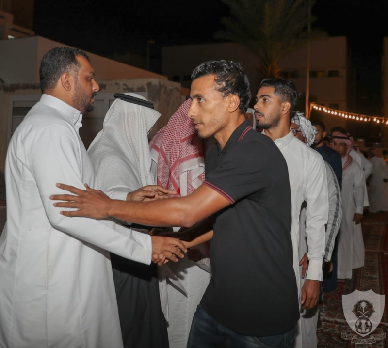 المقهوي وشيفو والمسيليم في عزاء المشجع الأهلاوي - المواطن