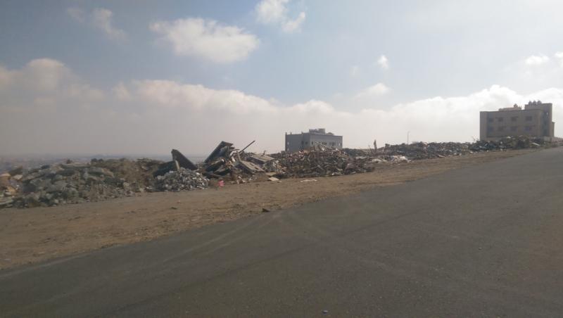 صور.. #حي_النهضة يتحول إلى مقلب نفايات وسط تجاهل أمانة عسير! - المواطن