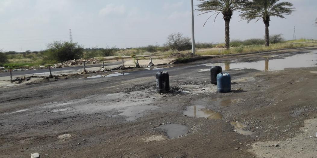صور.. كارثة بيئية في #إسكان_الحصمة بسبب المجاري و #المياه تتجاهل!