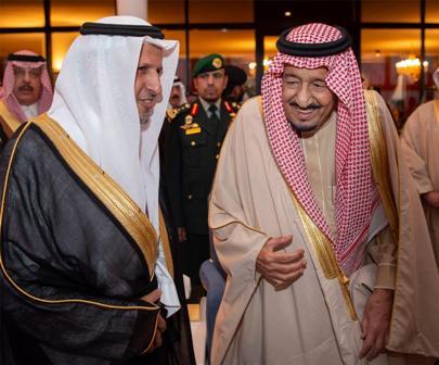 """الملك سلمان يكرم """"عِلم"""" في الجنادرية"""