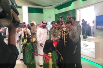 اللواء اليحيى يفتتح معرض الجوازات بالجنادرية 33 - المواطن