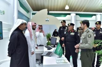 مدير دوريات الأمن يزور معرض الجوازات في الجنادرية ويثني على الخدمات - المواطن