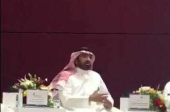 فيديو.. وزير العمل يدعو القطاع الخاص لزيادة الرواتب - المواطن