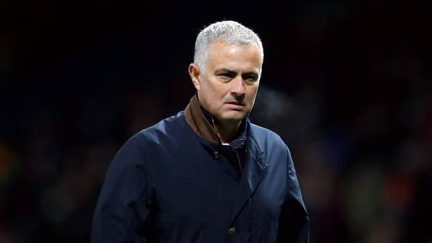 بعد مباراة فالنسيا ضد مان يونايتد .. الخطر الأكبر يُطارد مورينيو