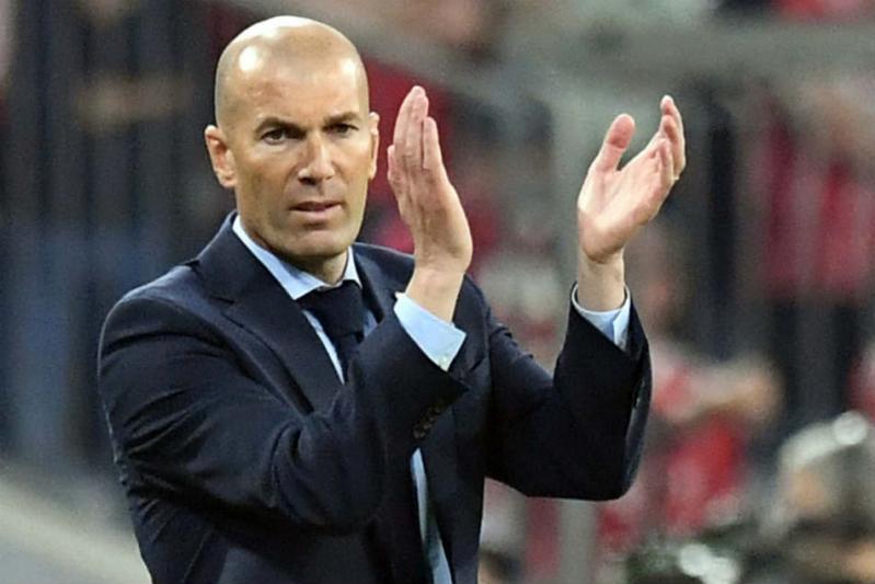 زيدان يُهدد برشلونة بخطف هذا اللاعب في الصيف
