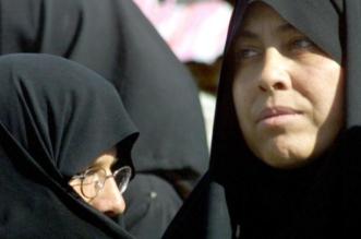 ظروف إيران الاقتصادية تجبر النساء على ممارسة أعمال ذكورية - المواطن