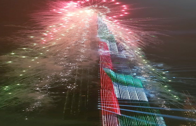 صور وفيديو.. رأس السنة في دبي تخطف أنظار العالم