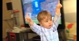 فيديو.. ردة فعل طفل عمره 19 شهرا بعد فوز فريقه - المواطن