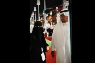 فيديو.. زيارة العزوة والسند .. جواهر تشرح لأخيها في ركن الفن بصدر الكرامة - المواطن