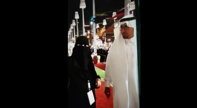 فيديو.. زيارة العزوة والسند .. جواهر تشرح لأخيها في ركن الفن بصدر الكرامة