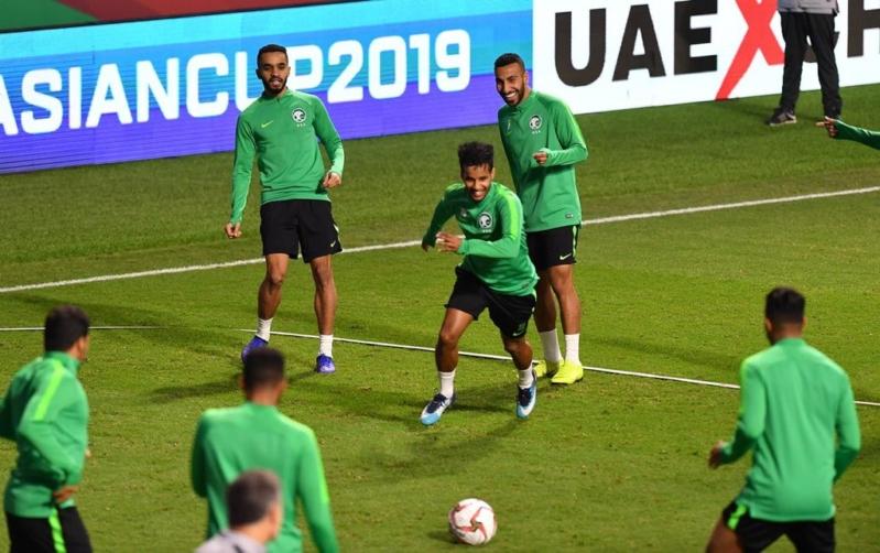 تحت أنظار الفواز .. الأخضر يختتم تدريبه الأخير قبل مواجهة لبنان