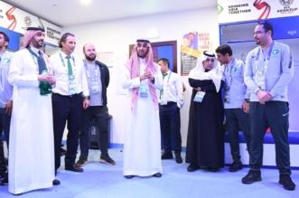 رئيس هيئة الرياضة يُهنئ لاعبي الأخضر بغرفة الملابس - المواطن