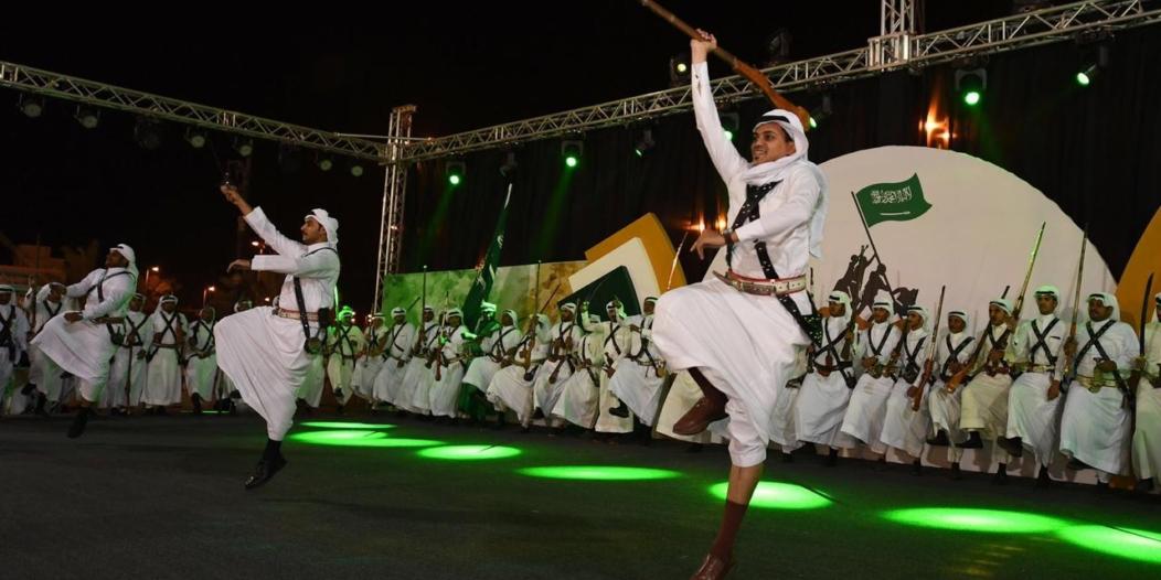 أمسيات ثقافية ضمن فعاليات مهرجان صدر الكرامة تلهب ليل تهامة عسير