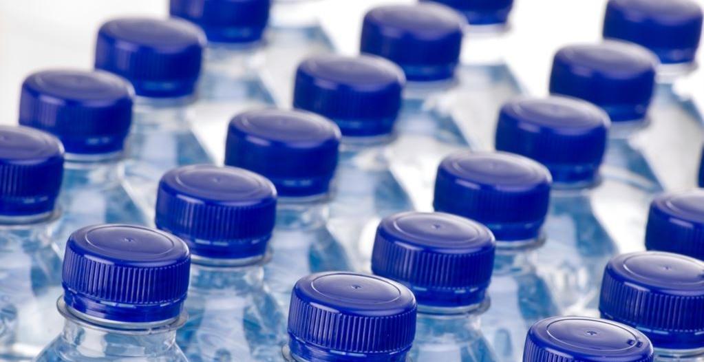 خفايا وأسرار.. ارتفاع نسبة تركيز الصوديوم في المياه المعبأةوالتلاعب بالحملات الترويجية