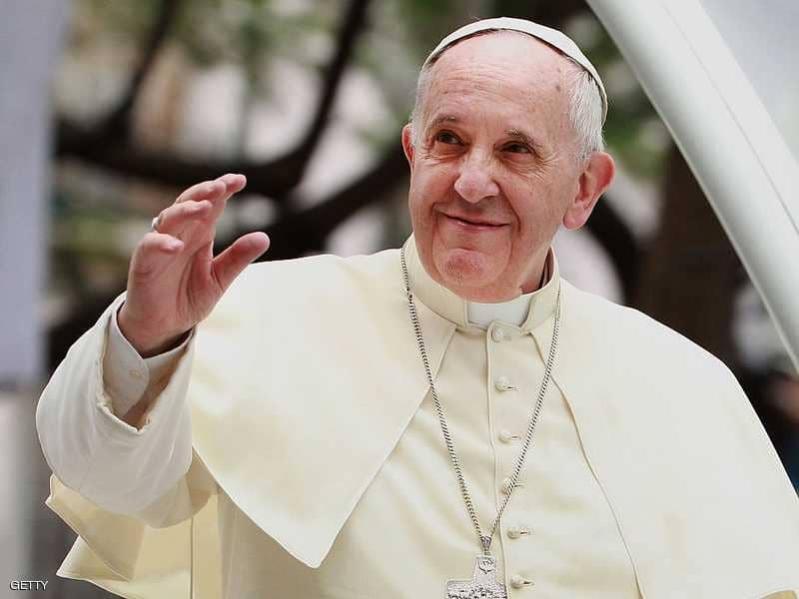 احتجاز بابا الفاتيكان في المصعد ورجال الإطفاء ينقذون الموقف