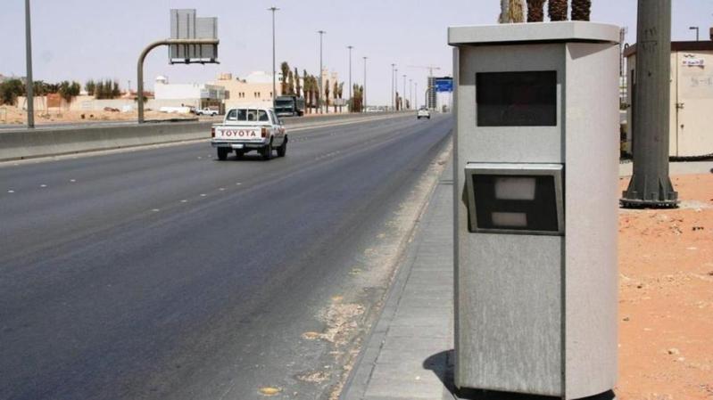إيقاف 3 أشخاص أتلفوا جهاز ساهر على طريق تربة – خرمة