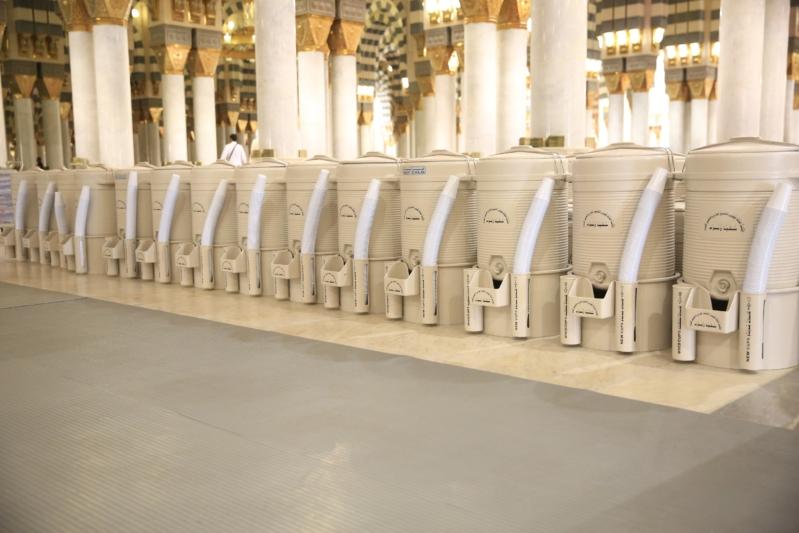 تدشين أول دفعة لإرسال ماء زمزم للجوامع الكبيرة في المدينة المنورة