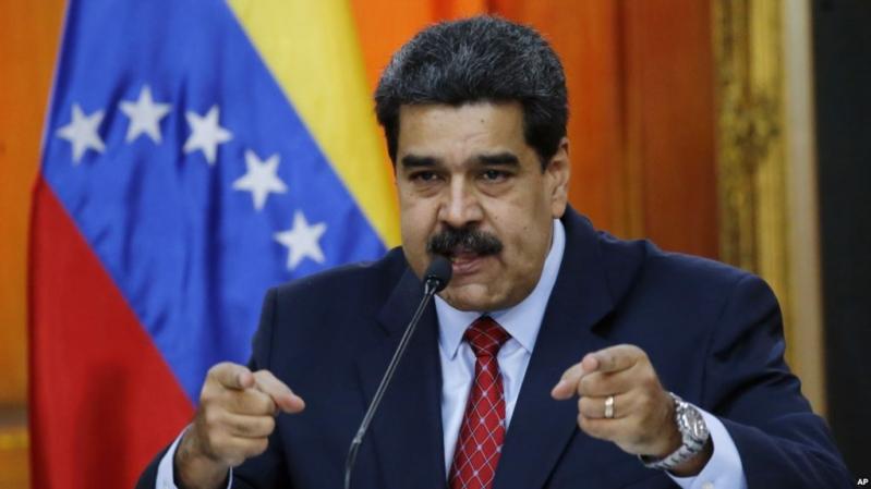 الرئيس الفنزويلي يتهم نظيره الكولومبي بتنفيذ خطة صادمة لنقل كورونا !