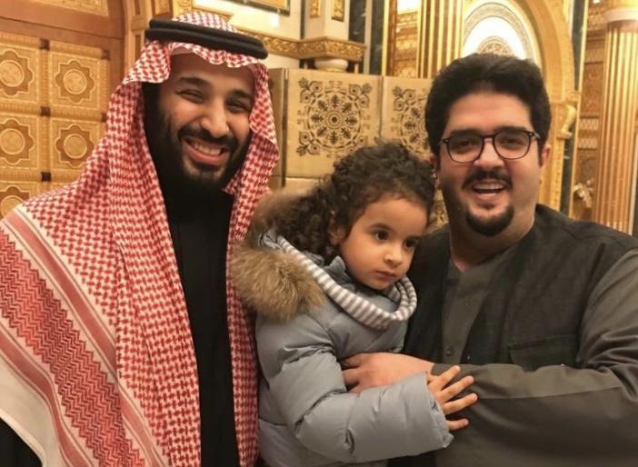 شاهد الأمير محمد بن سلمان في منزل عبدالعزيز بن فهد بالرياض صحيفة