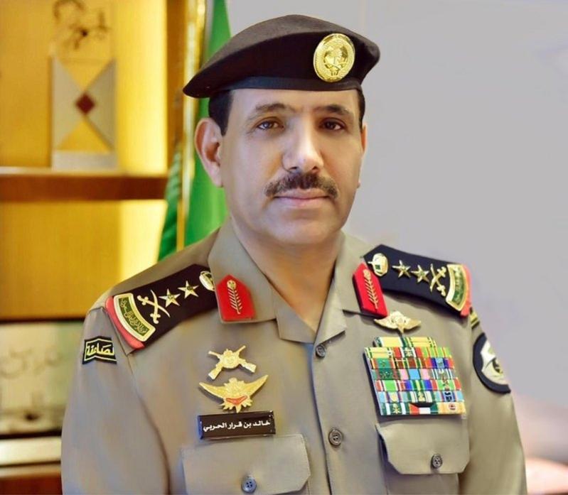 مدير الأمن العام يتيح التواصل معه عبر رقم 989