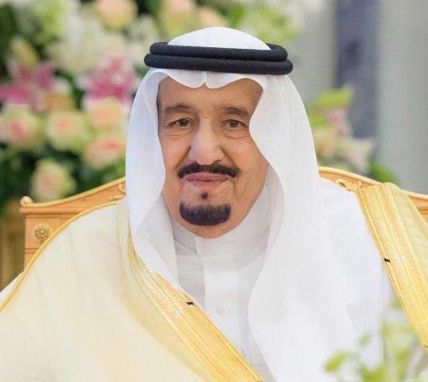 الملك سلمان يتلقى اتصالًا من أمير الكويت: نقف بشكل تام إلى جانب المملكة