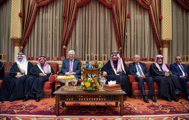 الملك سلمان يستقبل الرئيس الفلسطيني ويقيم مأدبة غداء تكريماً له
