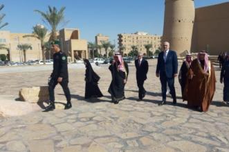 رئيس وزراء ألبانيا يزور متحف المصمك ويشاهد فيلم الاقتحام واسترداد الرياض - المواطن