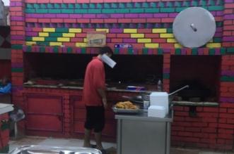 شاهد بالصور.. لقطات صادمة من داخل أحد المطاعم في بيش - المواطن