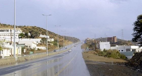 أمطار رعدية على الباحة حتى العاشرة مساء