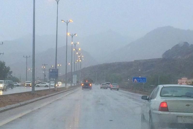 طقس نجران .. غبار وأمطار لأكثر من 11 ساعة