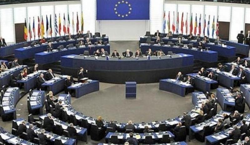 الاتحاد الأوروبي يتجه لوقف مبيعات الأسلحة لتركيا