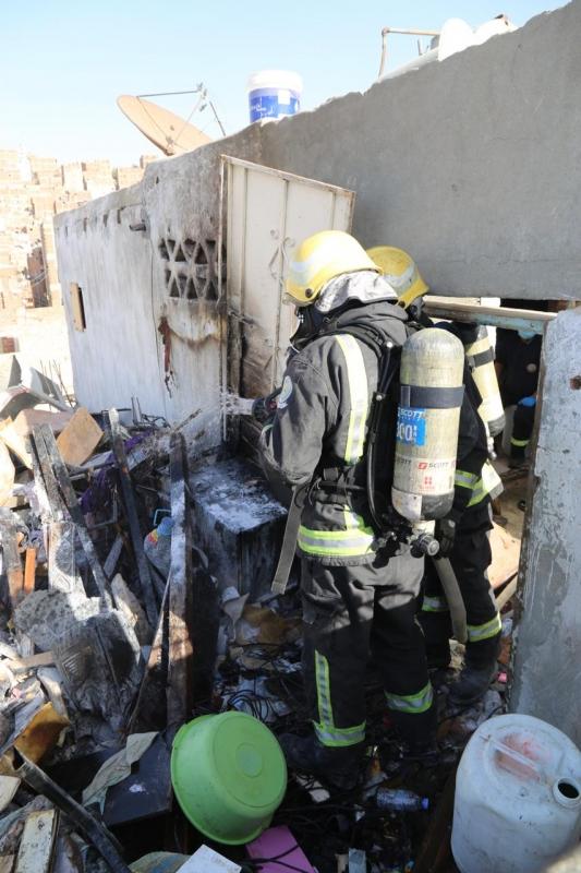 صور.. وفاة ثلاثة أطفال في حريق منزل شعبي بمكة - المواطن